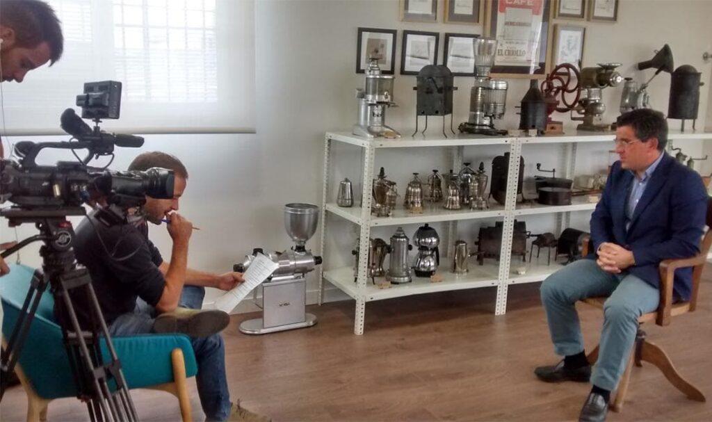 entrevistando a Santiago